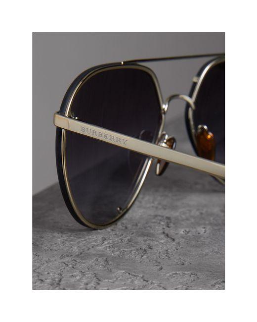 ... Burberry - Gray Lunettes de soleil aviateur avec motif check - Lyst ... fac01e3ef8fd