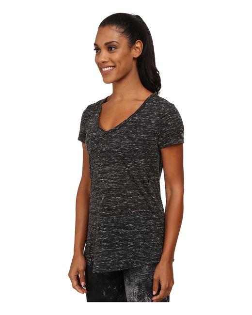 Alo Yoga | Black Deep V-neck Shirt | Lyst