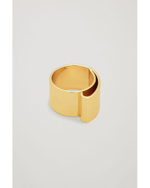 COS | Metallic Metal Ribbon Ring | Lyst