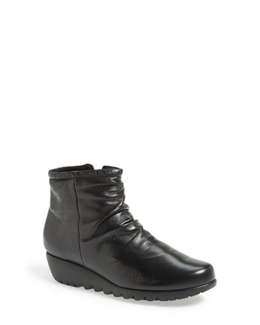 Munro | Black 'riley' Ankle Boot | Lyst