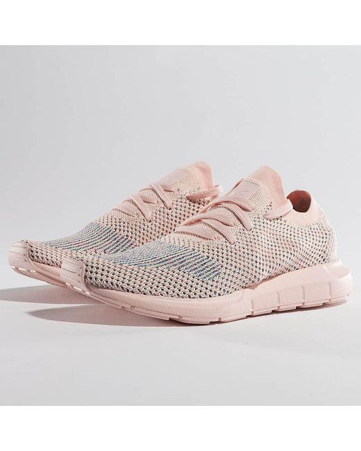 lyst adidas originali wo scarpe swift run primeknit in rosa