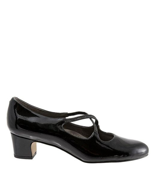 Trotters Jamie Patent Leather Cross Over Band Block Heel Pumps PyEcTzE5