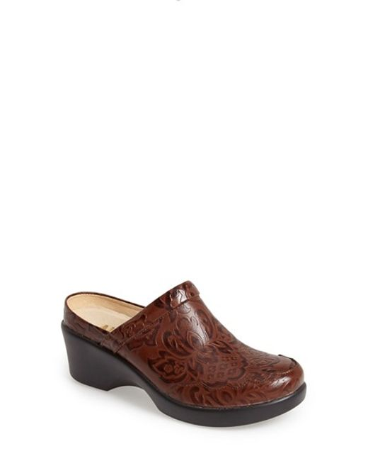 Alegria | Brown Isabelle Clog | Lyst