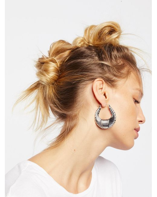 Free People | Metallic Watson Metal Hoops | Lyst