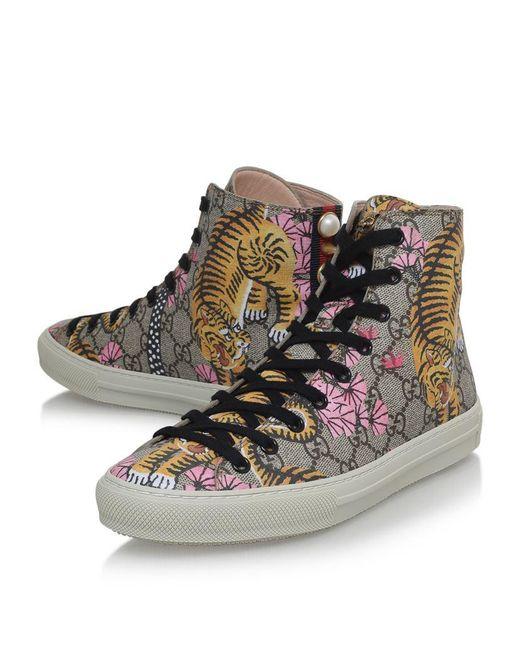 81aa2d3555e Stores That Sale Gucci Shoes
