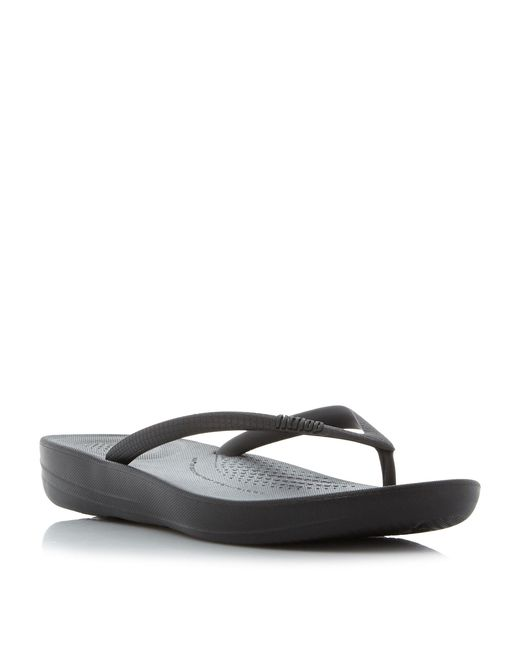 Fitflop | Black Iqushion Toepost Sandals | Lyst
