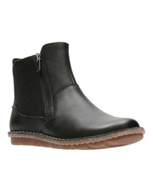 Clarks Tamitha Flower Ankle Boot (Women's) fzRJx