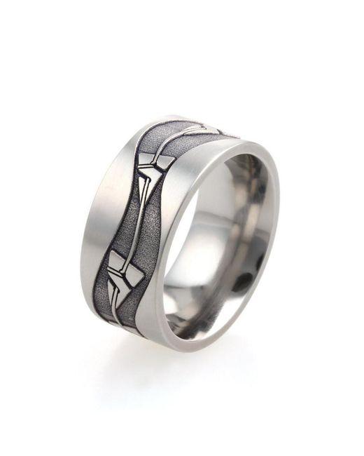 Prism Design - Metallic Line Arrow Ring - Lyst