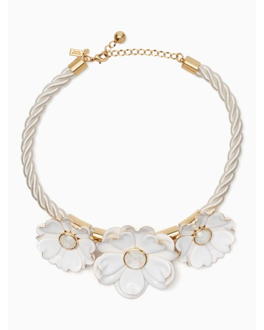 Kate Spade | White Bright Blossom Flower Statement Necklace | Lyst