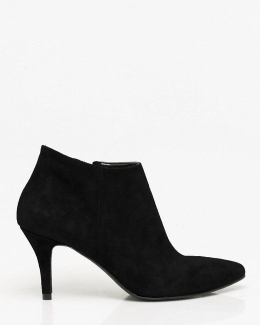 Le Chateau - Black Italian-made Suede Pointy Toe Ankle Boot - Lyst