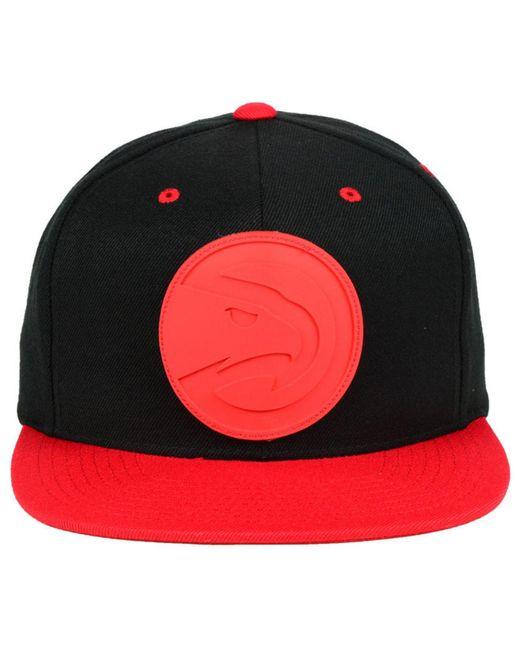 0cd9e7cc ... Mitchell & Ness - Red Atlanta Hawks Rubber Weld Snapback Cap for Men ...