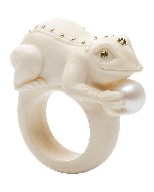 Bibi Van Der Velden - White Toad On A Pearl Ivory Ring - Lyst