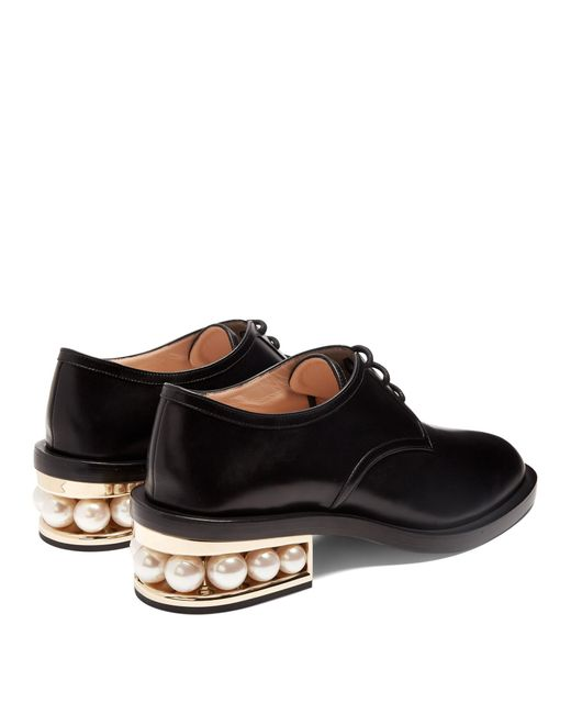 nicholas kirkwood casati pearl heeled derby shoes in black lyst
