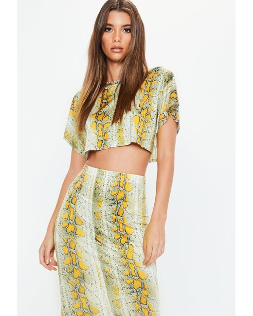 34ae0110944b8 Missguided - Yellow Cream Snake Printed Cropped T Shirt - Lyst ...
