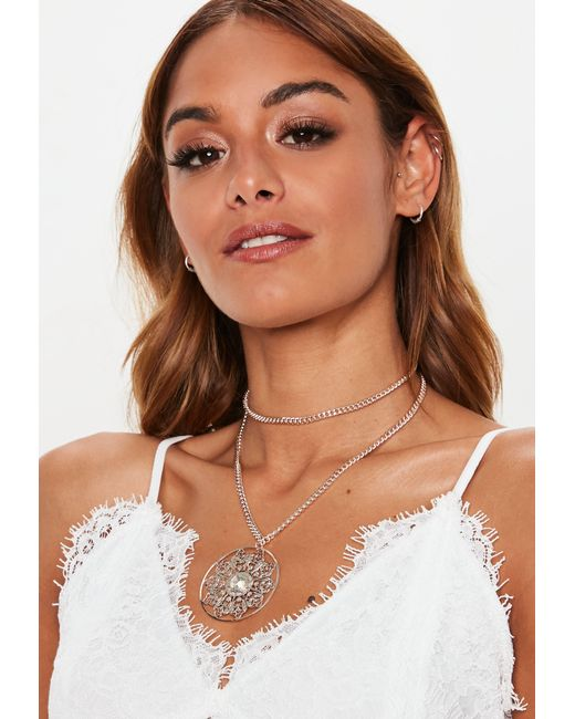 Missguided - Metallic Gold Statement Jeweled Pendant Necklace - Lyst