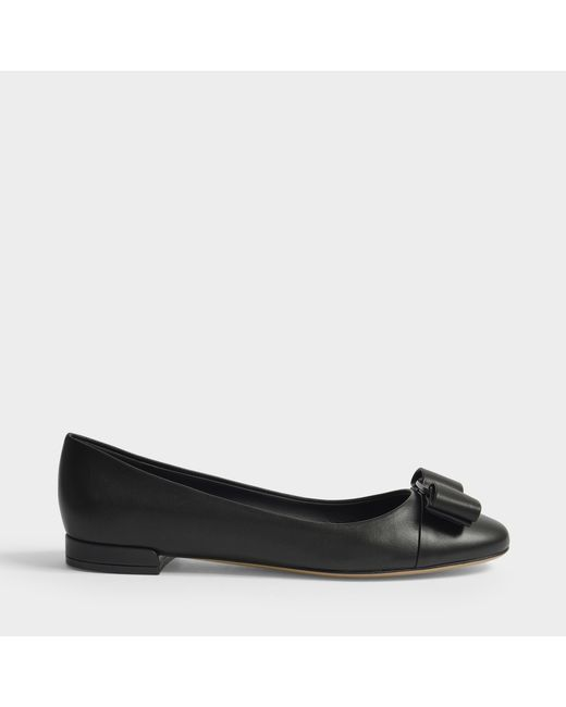 Ferragamo - Varina Ct Exaggerated Bow Shoes In Black Nappa Viva Leather - Lyst