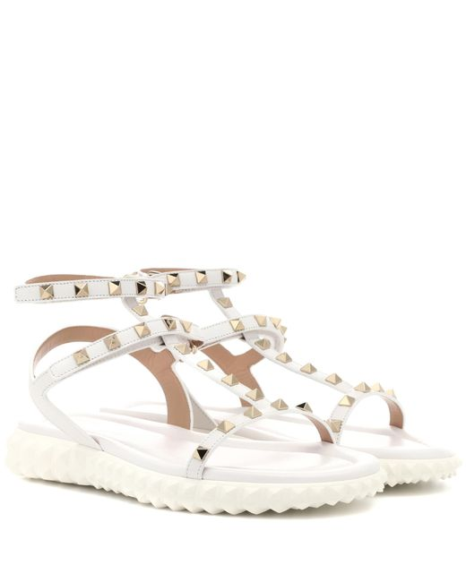 Valentino - White Free Rockstud Leather Sandals - Lyst