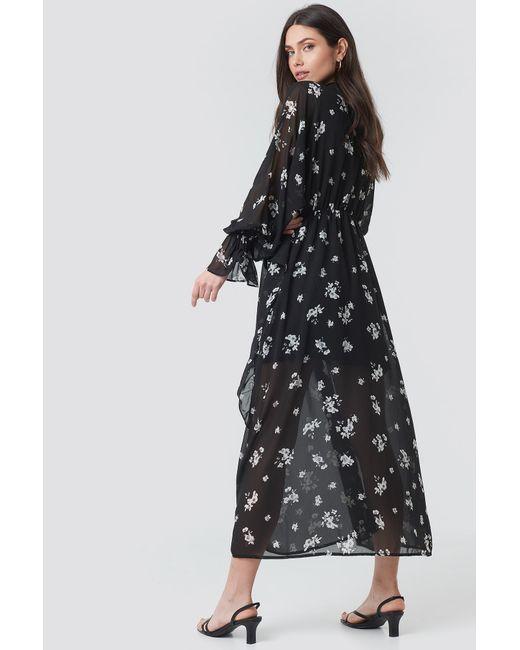 90528babdd ... NA-KD - Tie Collar Printed Maxi Dress Black/white Flower Print - Lyst  ...