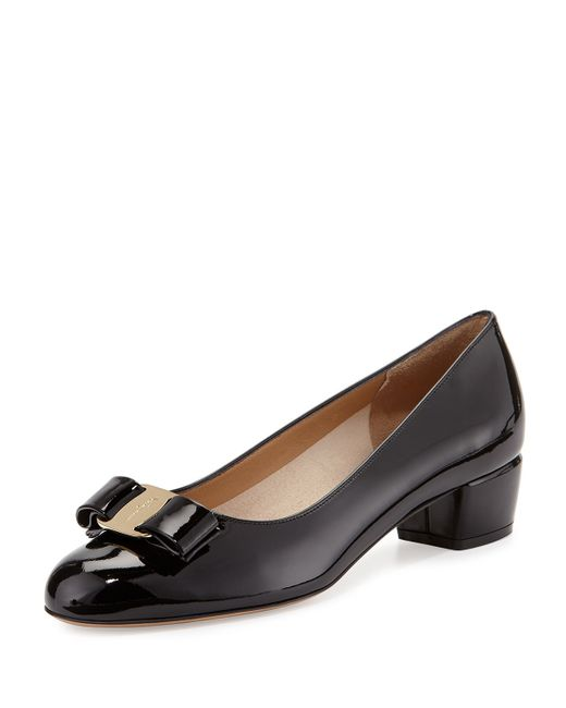 Ferragamo | Black Vara Bow Patent-leather Pump | Lyst