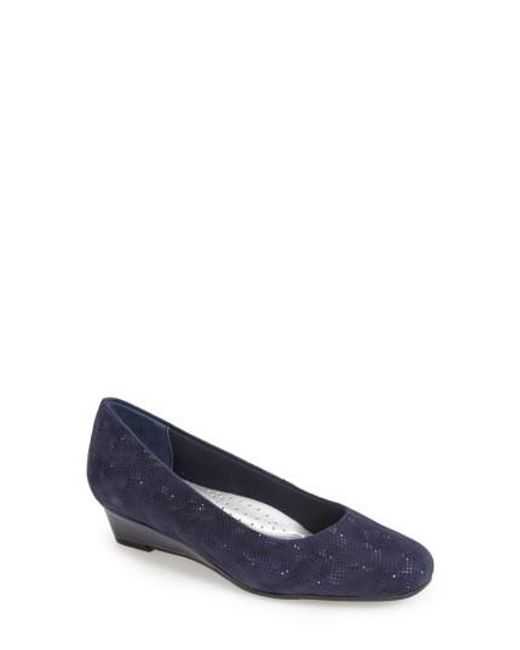 Trotters | Blue 'lauren' Pump | Lyst