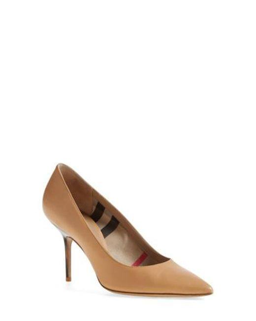 Burberry | Natural 'mawdesley' Pointy Toe Pump | Lyst
