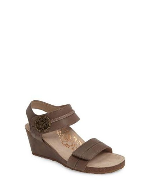 Aetrex - Multicolor 'arielle' Leather Wedge Sandal - Lyst