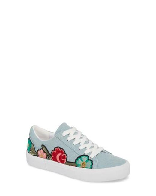 Jessica Simpson Dessa Denim Embroidered Floral Patch Sneakers IXCyRUK96q