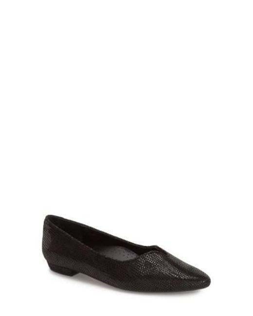 Vaneli - Black 'Ganet' Pointy Toe Flat - Lyst