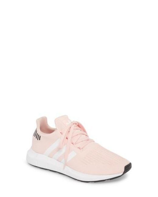 Lyst Adidas Swift Run zapatillas en color rosa