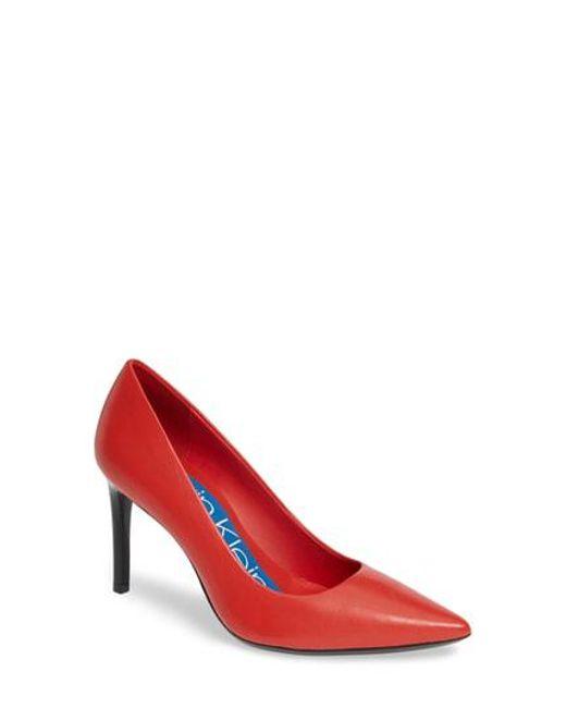 da91c23c0713 Lyst - Calvin Klein 205W39Nyc Rizzo Pump in Red