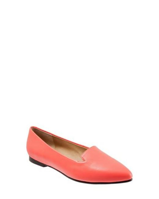 Trotters | Pink Harlowe Pointy Toe Loafer | Lyst