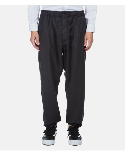 Men's harem pants are baggy at the top and tight at the ankle, but the degree of bagginess varies. For the full-blown effect, there is only one contender: Hammer pants. M.C. Hammer's version of harem pants hit the fashion world in the late s and changed the character of the trousers from comfy hippie gear to urban street wear.