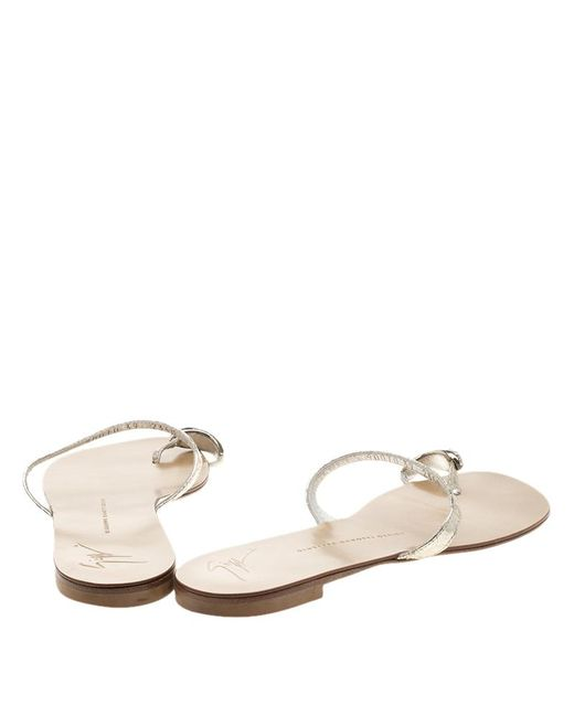 deadf4fd531a ... Giuseppe Zanotti - Metallic Silver Crystal Embellished Toe Ring Flat  Sandals Size 39 - Lyst ...