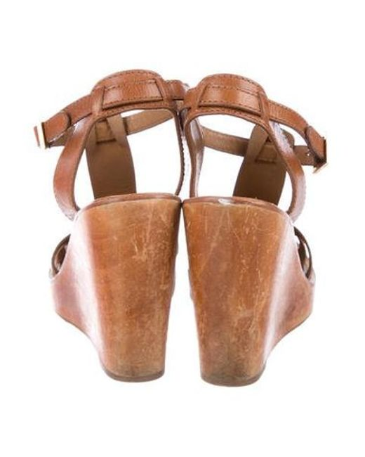 4889d16762a ... Tory Burch - Natural Leather T-strap Wedges Tan - Lyst