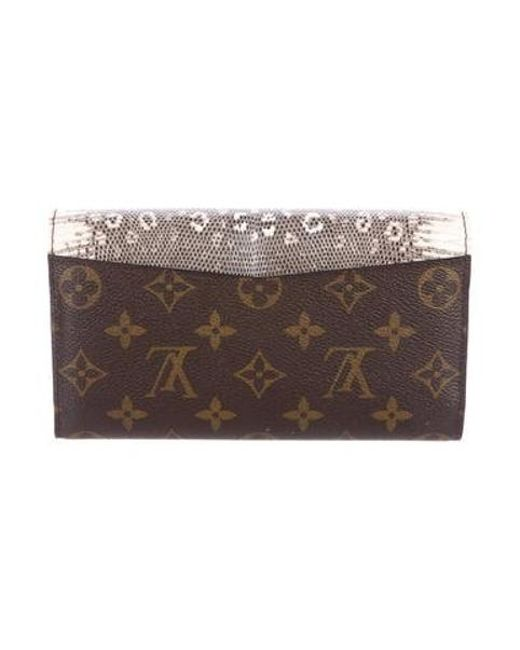 aac92e868df7 ... Louis Vuitton - Natural Majestueux Envelope Wallet Brown - Lyst