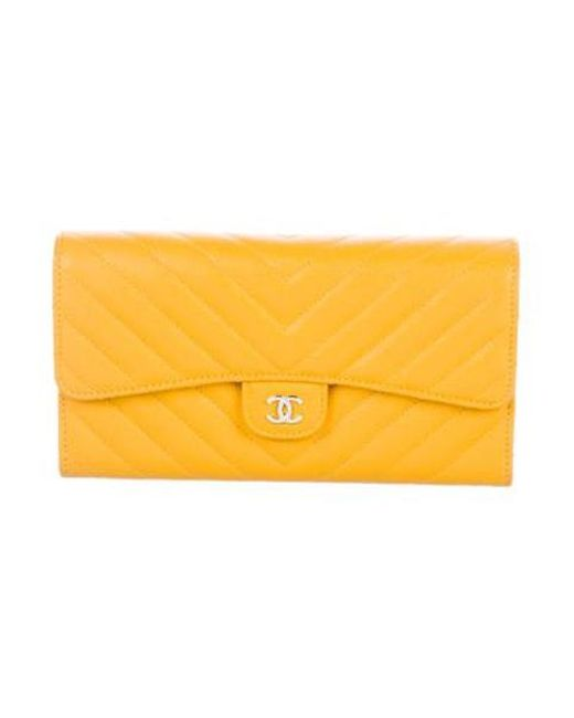 8d6f45c6f3b9 Chanel - Metallic 2017 Chevron Continental Wallet W/ Tags Yellow - Lyst ...