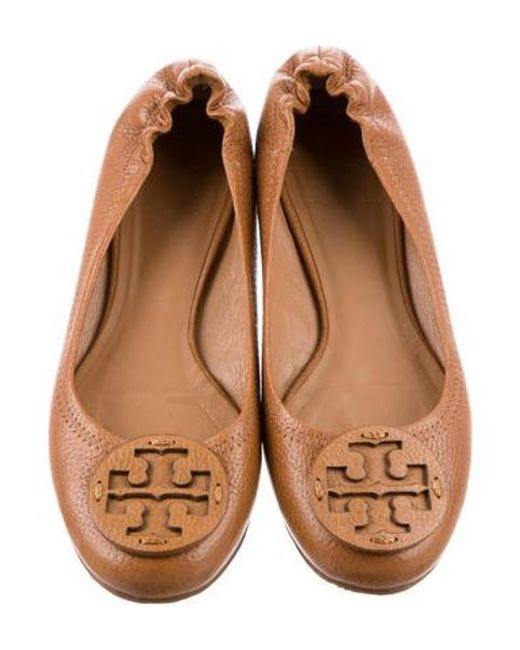 536efa0b6266 ... Tory Burch - Metallic Reva Suede Flats Brown - Lyst ...