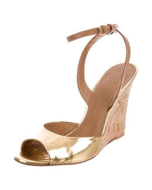 e2573b4e0c45 ... Tory Burch - Metallic Ashton Wedge Sandals Gold - Lyst ...
