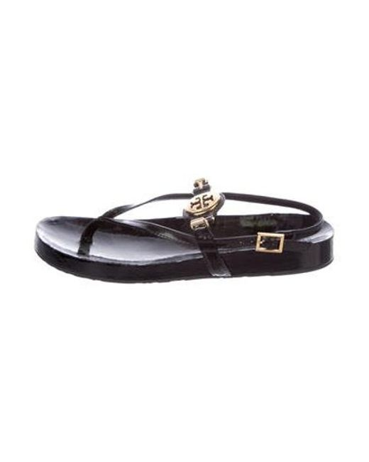 Tory Burch - Metallic Patent Leather Logo Sandals Black - Lyst