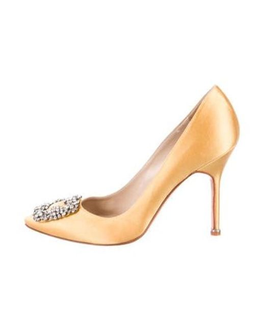d3ef440ddb05 Manolo Blahnik - Yellow Satin Embellished Pumps - Lyst ...