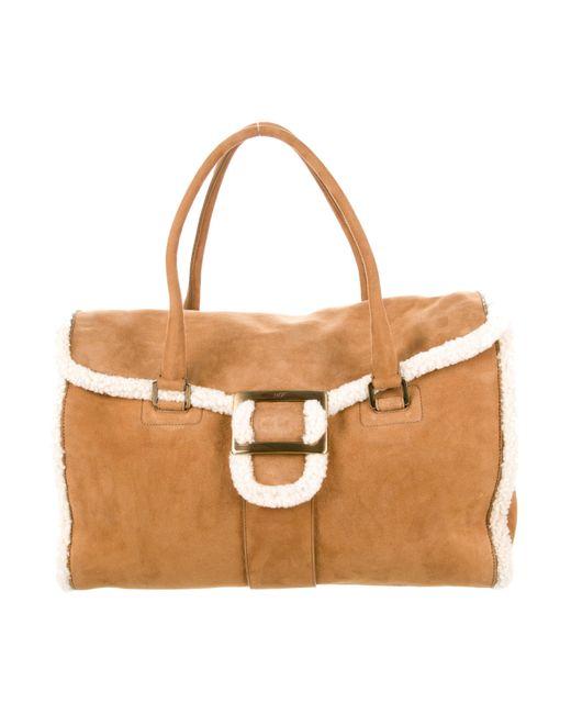 Roger Vivier | Metallic Suede Shearling-trimmed Bag Gold | Lyst