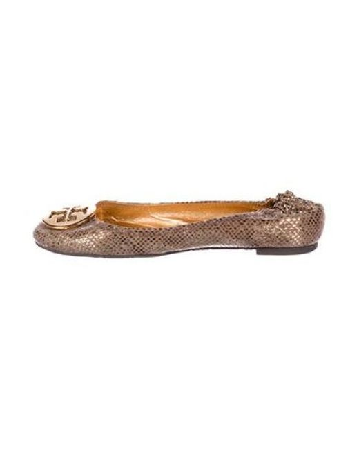 3a3a0fbb30127 Tory Burch - Metallic Suede Round-toe Flats Brown - Lyst ...