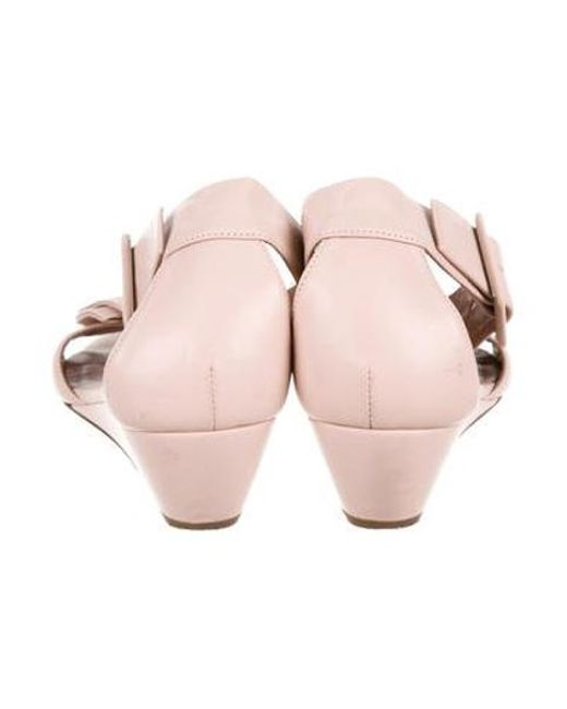 83292e4a1387 ... RED Valentino - Pink Leather Bowtie Sandals - Lyst