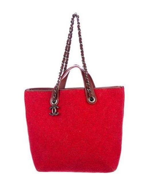 c98c598335bf Chanel - Metallic Medium Pop Felt Shopping Bag Red - Lyst ...