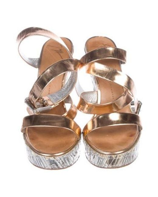 Df05e5e490e5b8 Lyst Diba True Kora Rose T Strap Sandal In