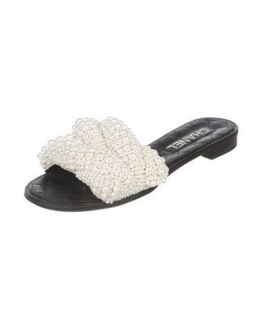 58fde796f6a4 ... Chanel - Black Leather Slide Sandals - Lyst ...