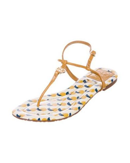 7a341d61509 ... Tory Burch - Natural Patent Leather Thong Sandals Tan - Lyst ...