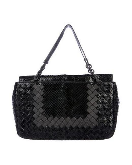 f08825c2d098 ... Bottega Veneta - Black Intrecciato Snakeskin Handle Bag - Lyst