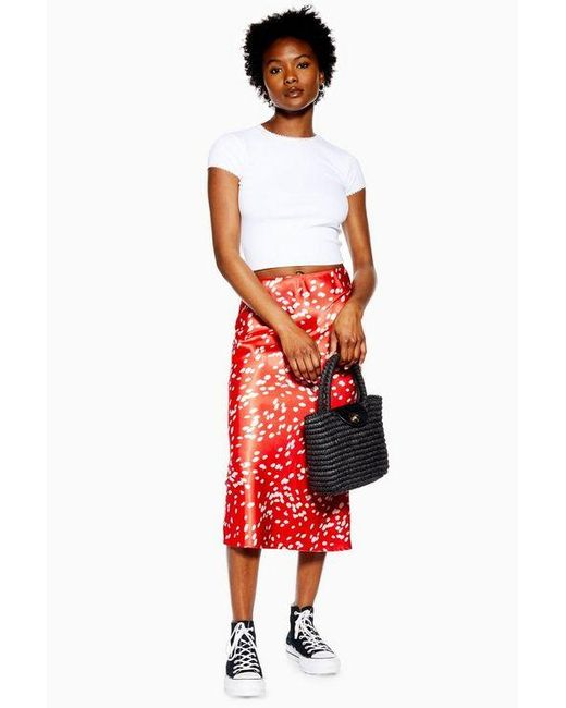 57705e28a9 TOPSHOP Petite Red Dalmatian Bias Satin Midi Skirt in Red - Lyst