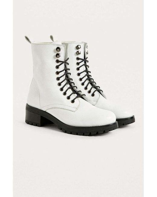Urban Outfitters - White Uo Zoe Leather Combat Boot - Lyst